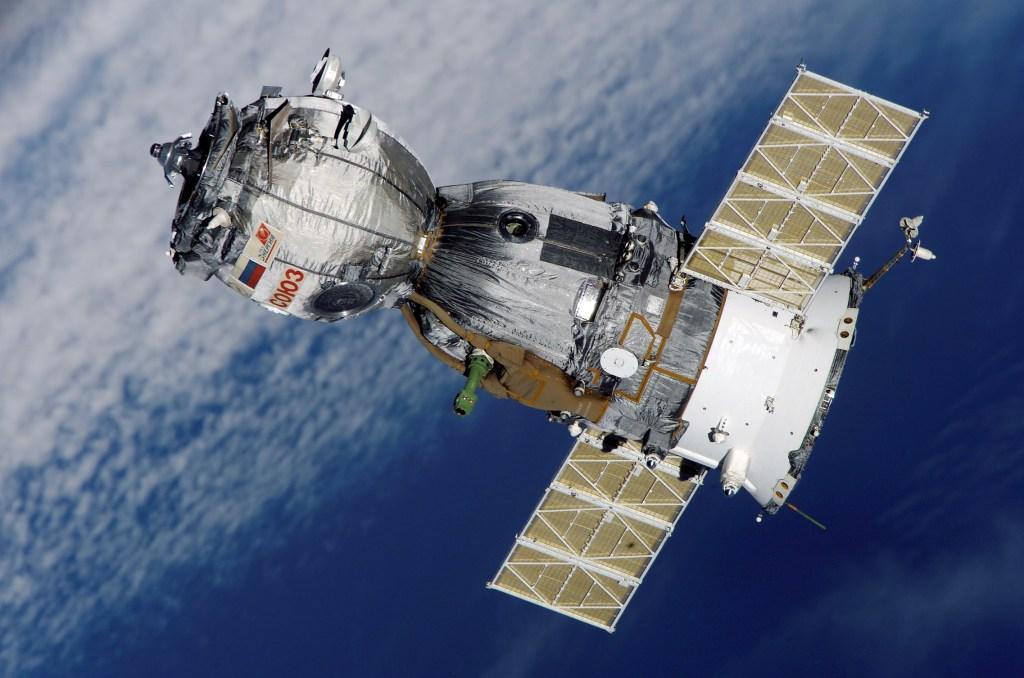 Roscosmos soyuz spacecraft in orbit