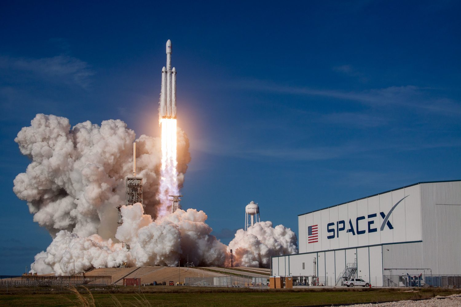 SpaceX Falcon Heavy nearing completion for July launch - Space Explored