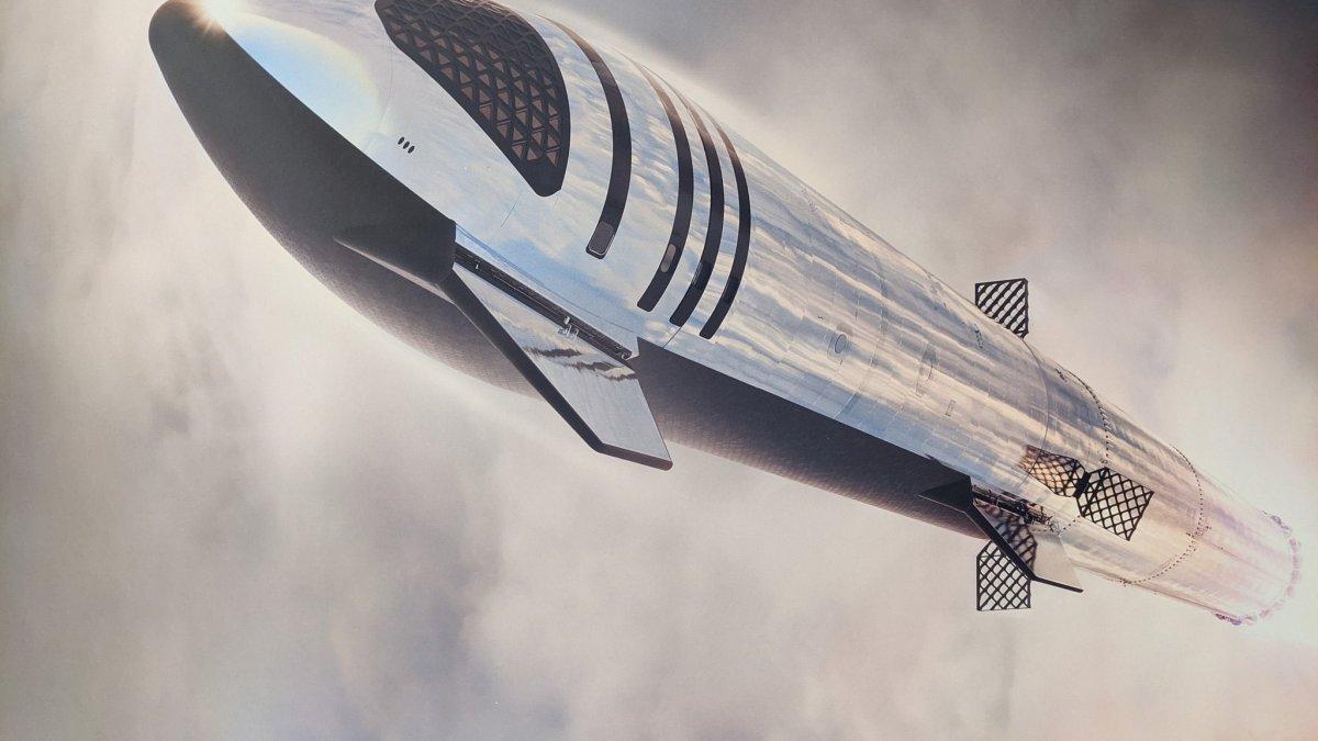 SpaceX Render of Starship in flight.