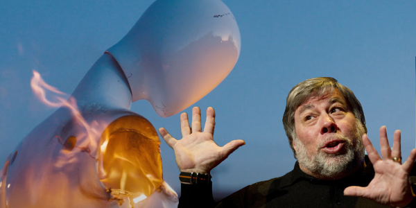 Steve Wozniak with screenshot from Privateer Announcement