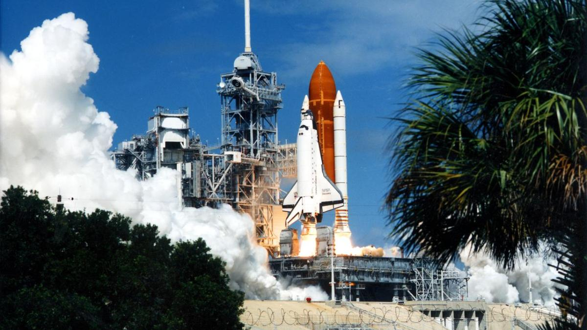 Launch of STS-25 Space Shuttle Discovery